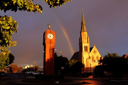 Clock tower and St Marys church, Mudgee. Photo by Amber Hooper